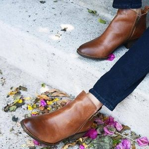 Lucky Brand Basel Brown Leather Booties 7